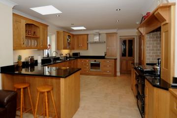 Tìm hiểu về tủ bếp gỗ Melamine