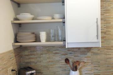 Ưu điểm, nhược điểm của kệ bếp mở trong thiết kế tủ bếp