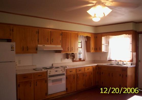 Đặc điểm của tủ bếp gỗ Xoan Đào