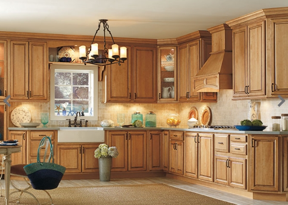 Tủ bếp gỗ Sồi Nga giá bao nhiêu ?