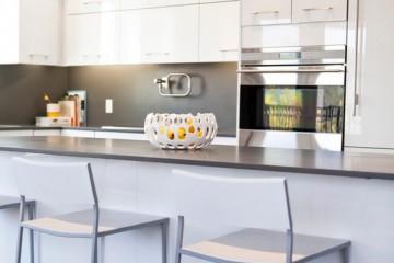 Khám phá tủ bếp laminate kết hợp Acrylic