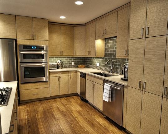 Tủ bếp laminate chữ L cho phòng bếp căn hộ chung cư