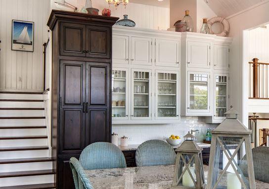 Vẻ đẹp trường tồn theo thời gian của tủ bếp tân cổ điểnVẻ đẹp trường tồn theo thời gian của tủ bếp tân cổ điển