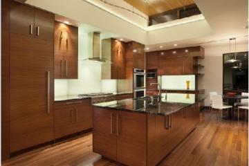 So sánh mặt đá bếp kim sa trung và marble vàng Đức