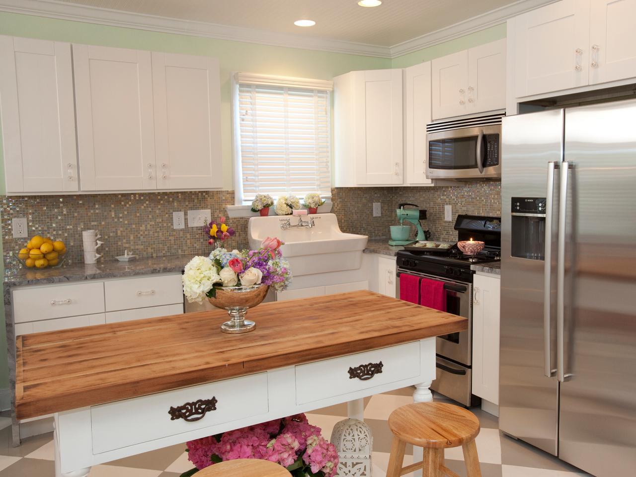 HPBRS408H_country-kitchen-white_4x3.jpg.rend.hgtvcom.1280.960