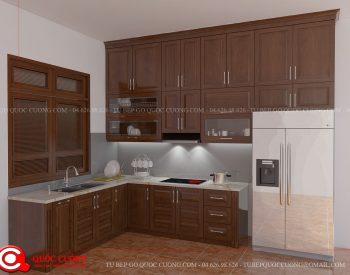 Tủ bếp xoan đào XDI06 có các phụ kiện chức năng như kệ gia vị, chậu rửa, trạn bát và thiết bị bếp như bếp hồng ngoại, lò nướng, thiết bị hút mùi đều nhập khẩu của các thương hiệu như EuroGold, Blum, Hafele, Abber, Faster, Malocca…
