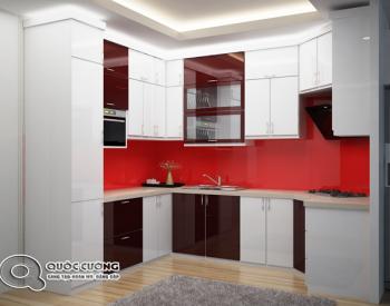 Mặt kính ốp của tủ bếpAR 27 có màu đỏ nổi bật và tạo sự bắt mắt với người dùng, sự phá cách độc đáo và mới lạ sẽ khiến bạn cảm thấy thích thú khi bước vào căn bếp.