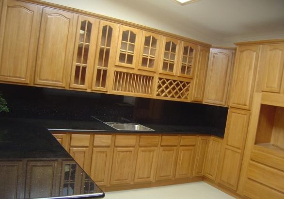 Tô điểm không gian bếp với tủ bếp gỗ chữ L
