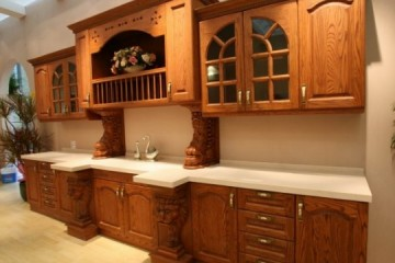 Giá cả yêu thương của tủ bếp gỗ Sồi Nga dành cho đại gia đình.