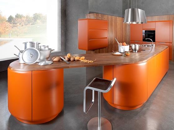 Nên chọn tủ bếp gỗ hay tủ bếp inox