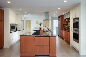 Lưu ý chọn tủ bếp gỗ Xoan Đào cho Gia đình có nhiều thành viên