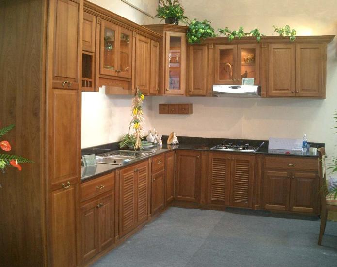 Nên chọn Tủ bếp gỗ Xoan Đào hay Tủ bếp Acrylic. tu-bep-xoan-dao-acrylic-1