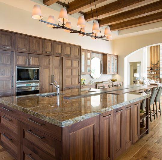Nên lựa chọn tủ bếp theo phong cách cổ điển hay tân cổ điển?
