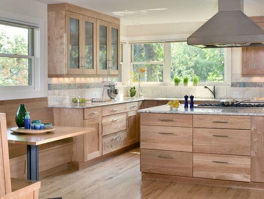 Tủ bếp gỗ tự nhiên là gì?
