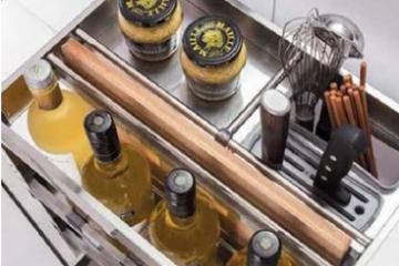 Phụ kiện tủ bếp EuroGold cho căn bếp thêm tiện nghi