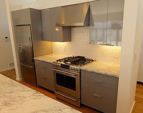 Gợi ý lựa chọn mẫu tủ bếp Acylic đẹp cho căn bếp thêm hoàn hảo mau-tu-bep-go-acrylic6