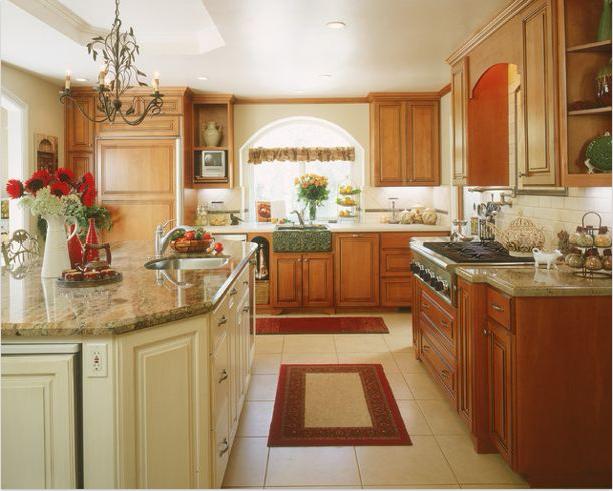 Thiết kế hiện đại kết hợp đầy đủ công năng sử dụng của mẫu tủ bếp gỗ Hương đẹp