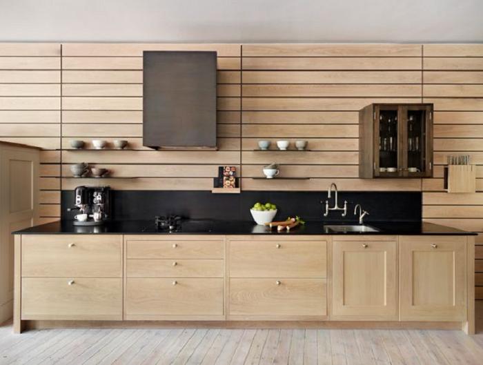 Tủ bếp gỗ xoan đào mang đến diện mạo hoàn hảo cho không gian bếp của ngôi nhà