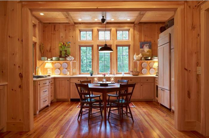 Phòng bếp trở nên ấm cúng và lịch thiệp hơn với nội thất toàn bộ làm bằng gỗ Lát