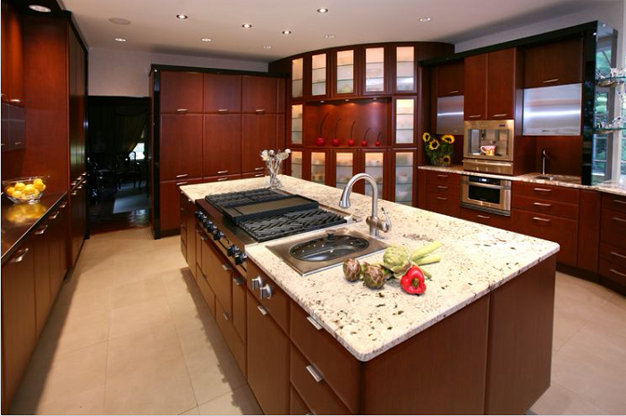 Không gian bếp trở nên thật tiện nghi, hiện đại giúp gia chủ nấu nướng một cách nhanh chóng hơn