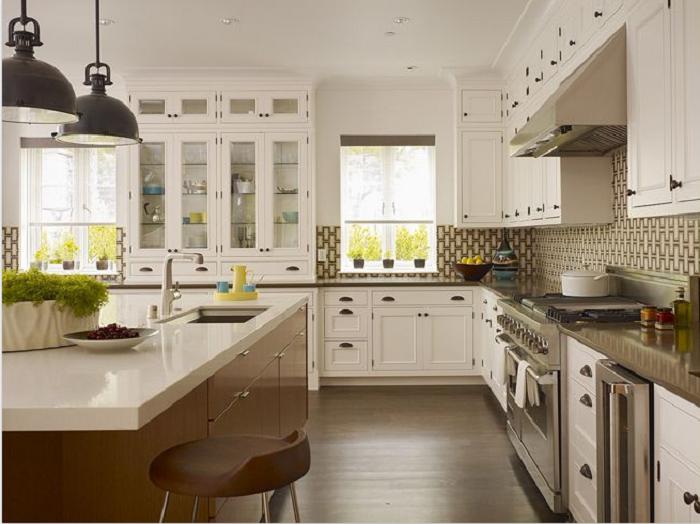 Kiểu dáng tủ bếp gỗ sồi Nga chữ L kết hợp bàn đảo với màu trắng bắt mắt