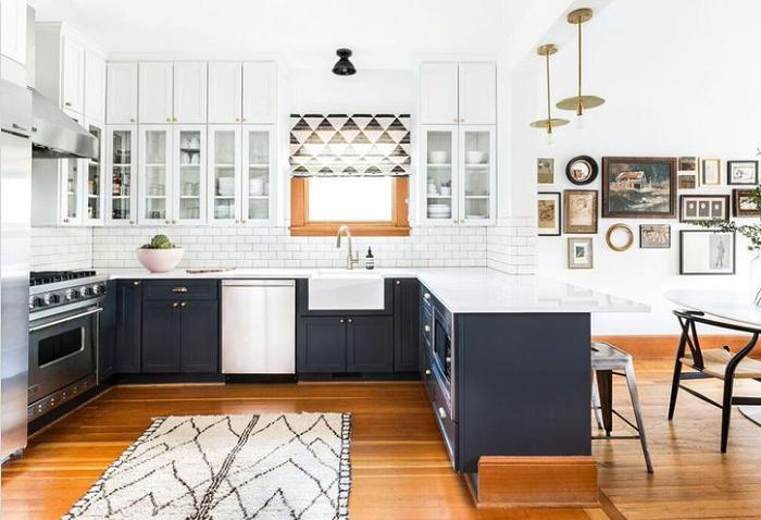 Kiểu dáng thiết kế tủ bếp mfc khá hiện đại phù hợp sử dụng trong các căn hộ chung cư