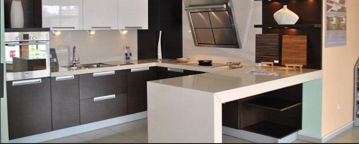Tủ bếp gỗ đẹp chất liệu acrylic vật dụng không thể thiếu cho mỗi gia đình
