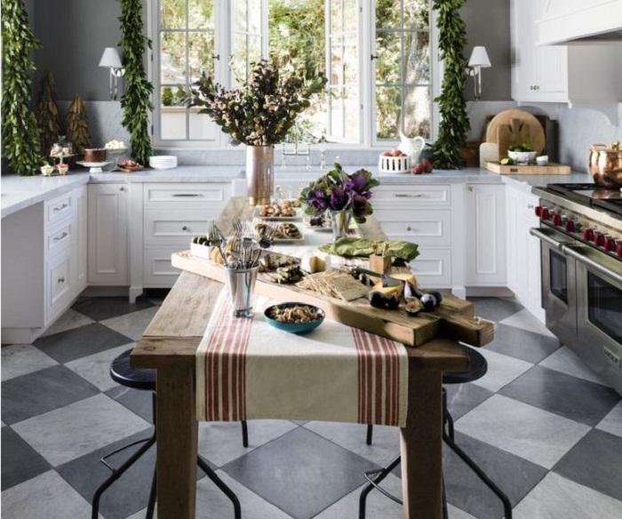 Thiết kế tủ bếp gỗ đẹp đơn giản dành cho nhà rộng có sân vườn