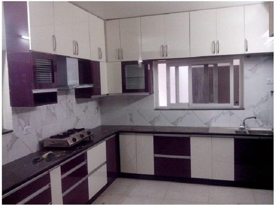 Sản xuất tủ bếp đẹp độc đáo với mẫu tủ bếp màu tím