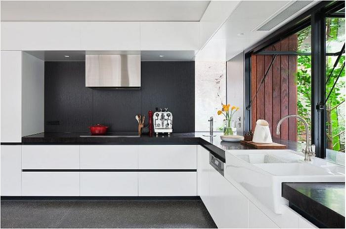 Tủ bếp acrylic gỗ công nghiệp nhưng điểm 10 cho chất lượng
