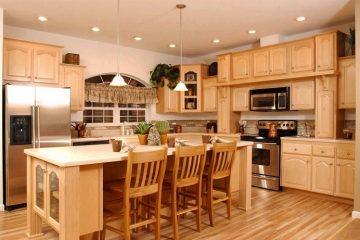 Làm tủ bếp kiểu dáng cơ bản có những ưu điểm gì?