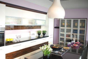 Top 7 mẫu tủ bếp hai màu cực kì sang trọng