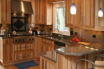 Những điều cần phải biết trước khi sử dụng tủ bếp vân gỗ tự nhiên